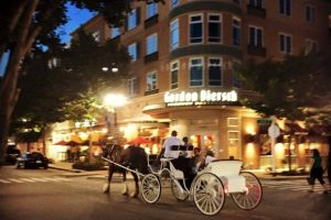 FREE Holiday Carriage Rides at The Market Common
